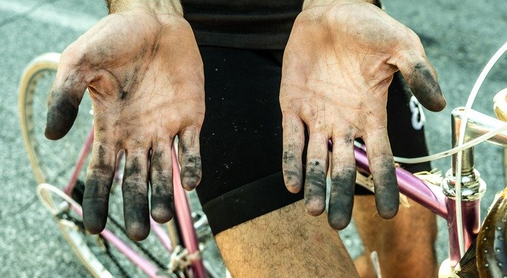 L'Eroica e quelle mani sporche che aiutano a capire com'è fatto il mondo